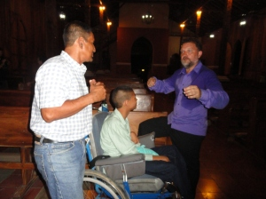 Manuel con Roberto y Luis