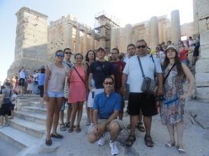 Un grupo visitando la Acrópolis
